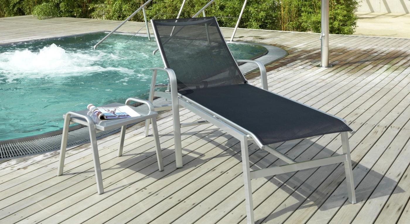 Liege Ibiza Plus schwarz am Pool