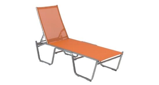 Orangene Stapelliege der Serie Bermuda ohne Hintergrund