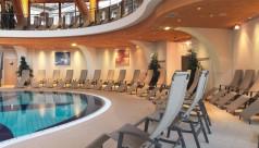 California Kippliegen im Wellnessbereich mit Pool