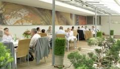 Wintergarten mit Karasek Stühlen im Gasthof Ohr