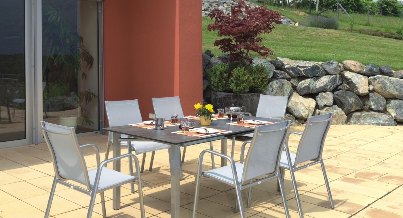 Gartenstühle Lugango silber mit passendem Tisch