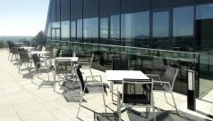 Terrasse mit Gartenmöbel der SVA Radegrund