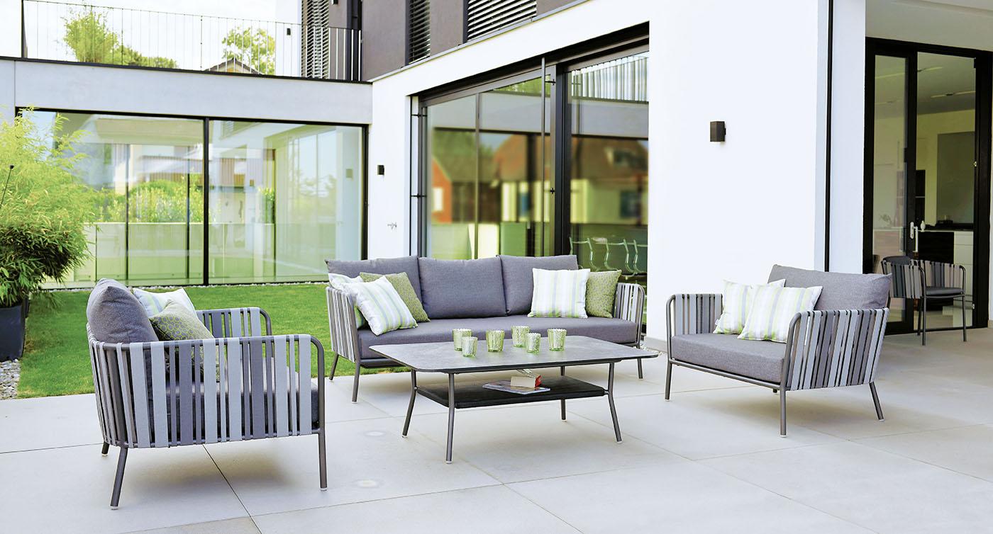 Loungegruppe Space mit grünen Zierkissen