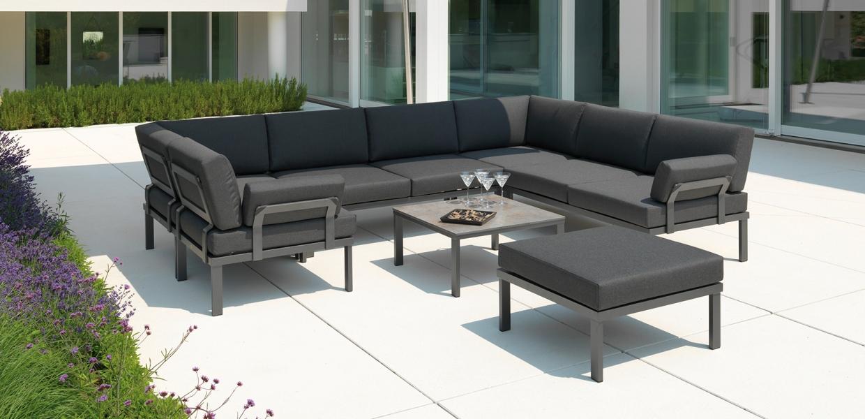 Lounge-Gruppe Lido dunkelgrau mit gedecktem Tisch