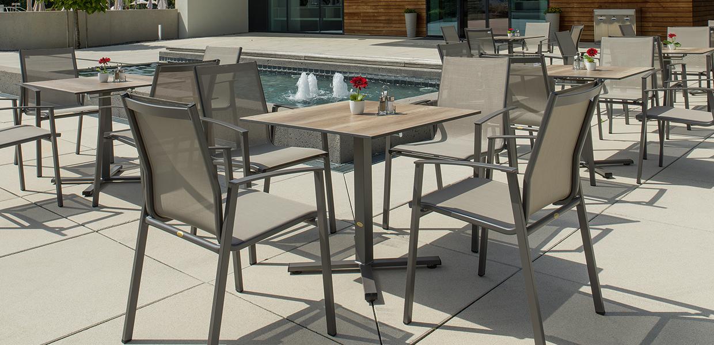 Gastrostühle Genf und Manhattan Tische