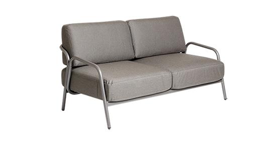 2er Sofa Havanna in grau mit Armlehnen ohne Hintergrund